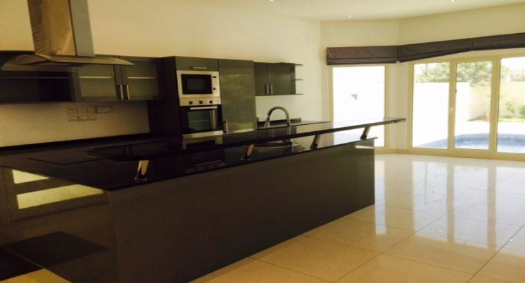 Compound Villa 5BR in Hamala