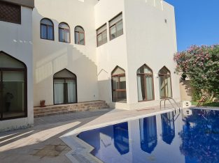 5BRHuge compound villa with private pool for lease
