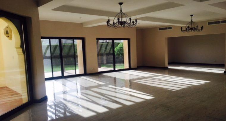 Janabiya Compound Villa 5BR