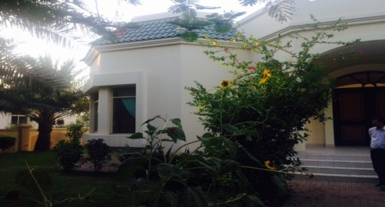 4 Bedroom Single Storey Compound Villa For Rent
