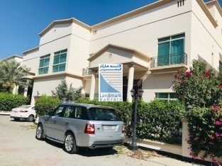 5 BR Janusan/Budaiya compound huge villa for lease