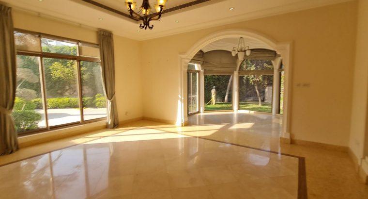 5BR Executive Private Villa in compound for lease.